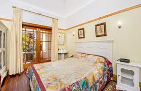 Tomah Room Wentworth Falls Accommodation